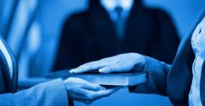 Assessing an Expert's Suitability
